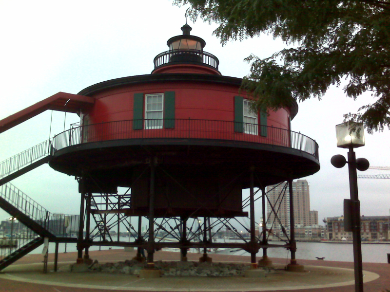 inner-harbor-light